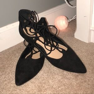 Old Navy lace- up flat